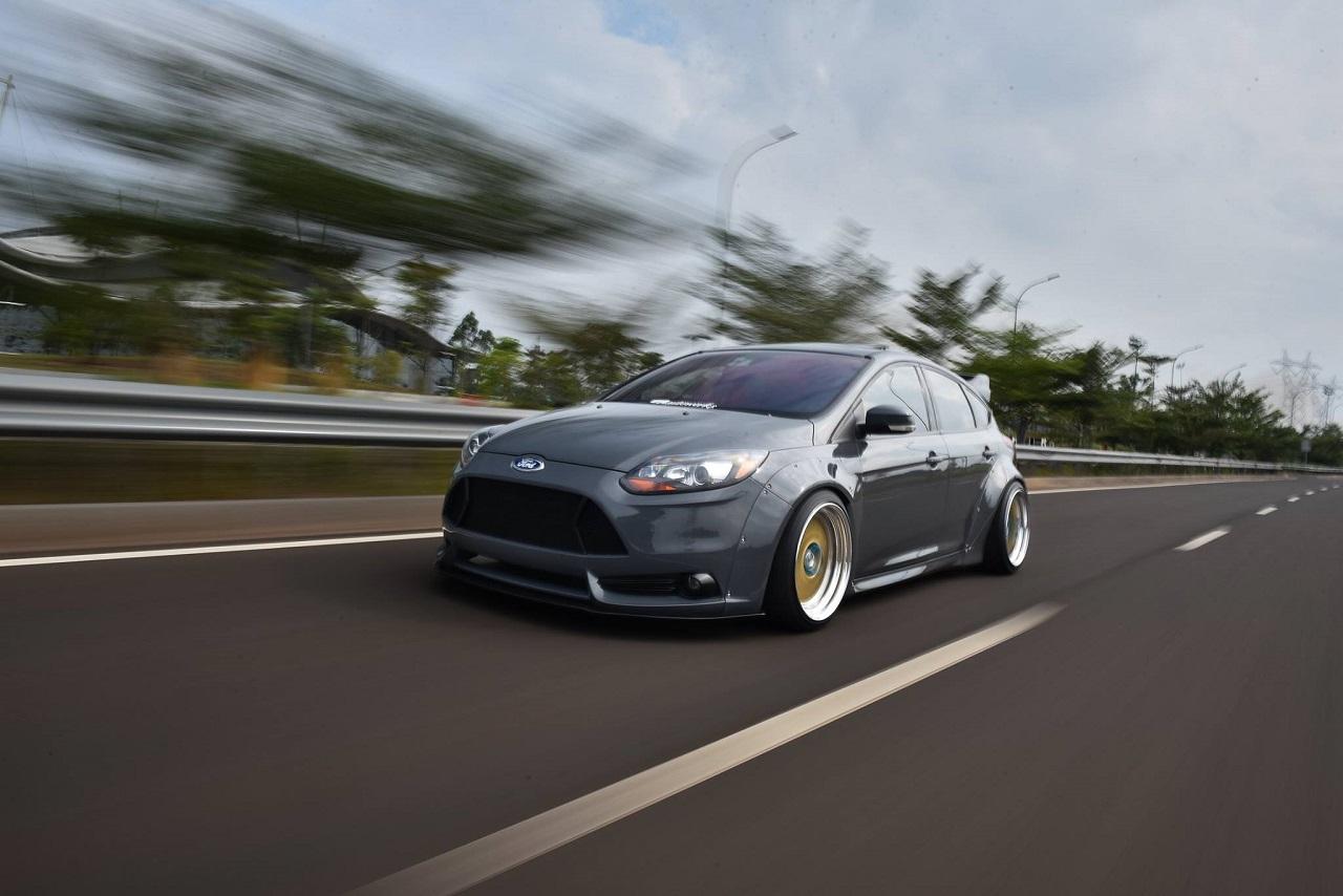 Ford Focus WideBody - Sobre et efficace... 21