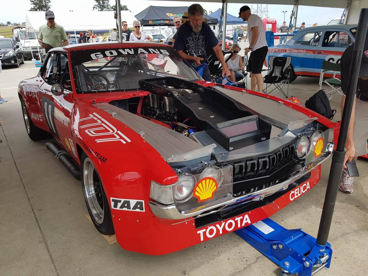 Bruce Gowans Toyota Celica - Avec un V8 Repco 4