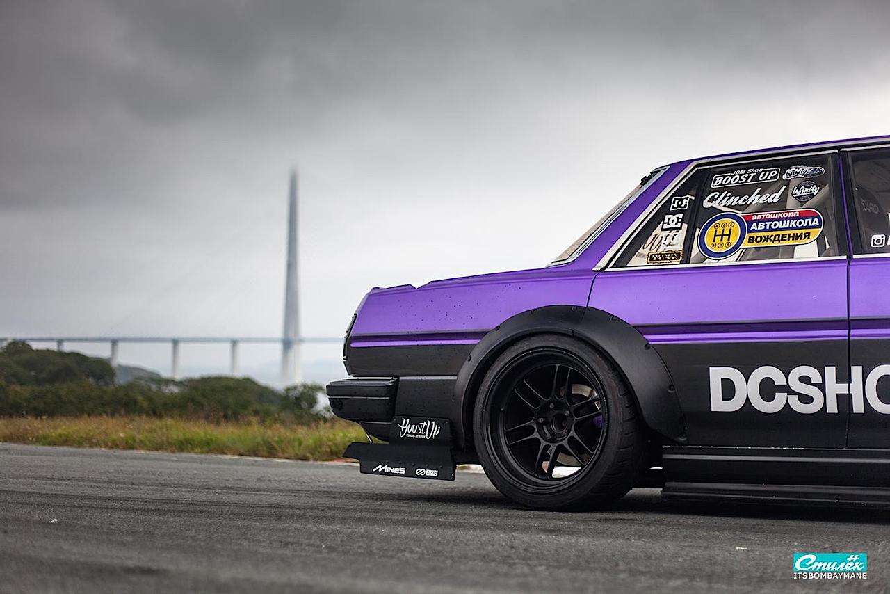 "Toyota Cresta swap 2JZ... ""Purple Rocket"" 33"