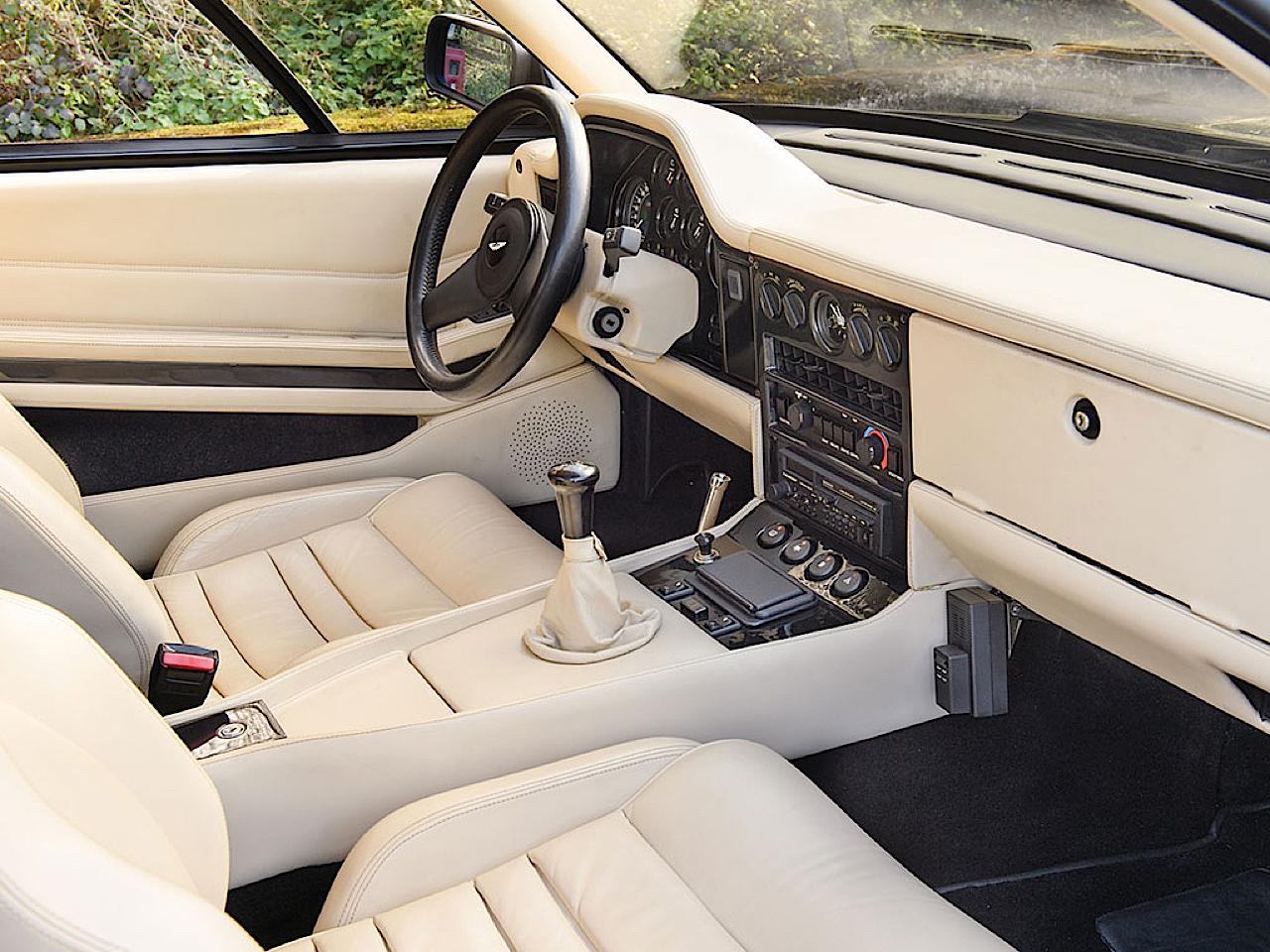 '87 Aston Martin V8 Vantage Zagato : 9