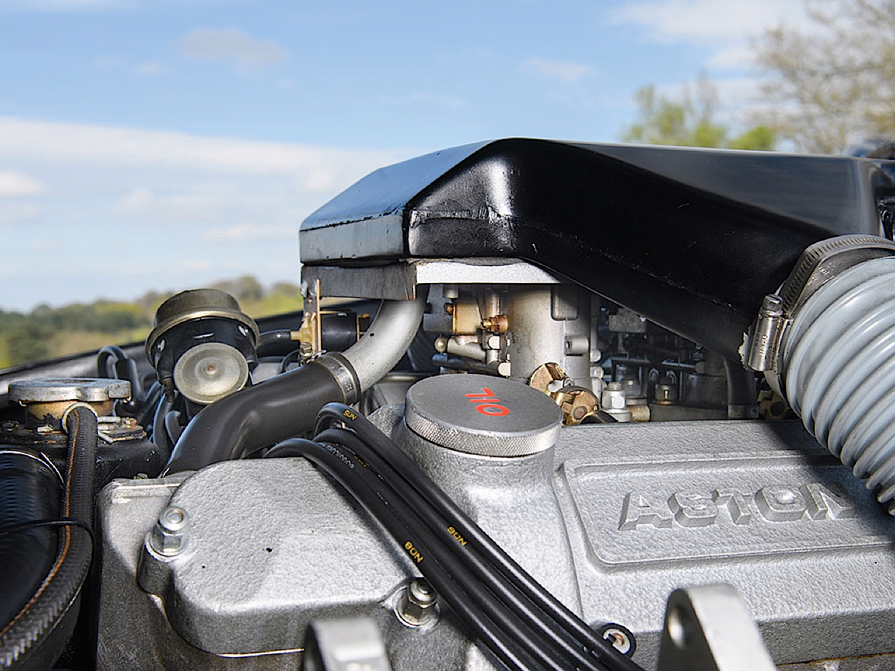 '87 Aston Martin V8 Vantage Zagato : 7