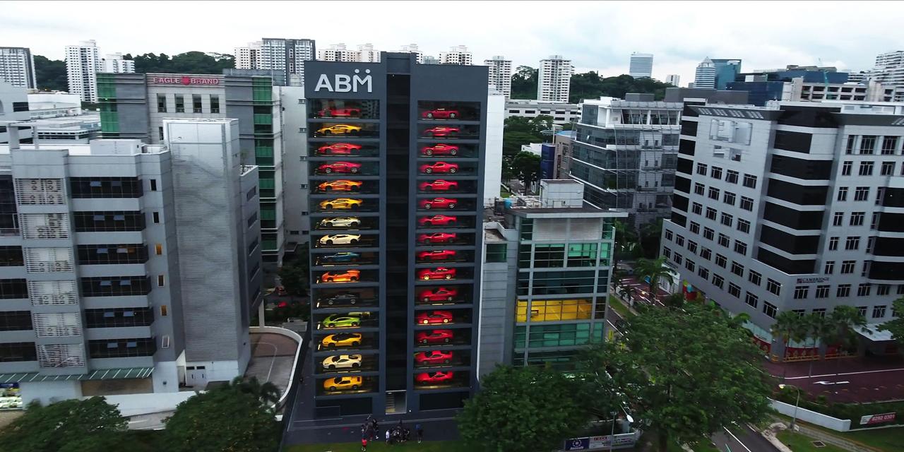 Autobahn Motors : Un distributeur de supercars au coeur de Singapour ! 5