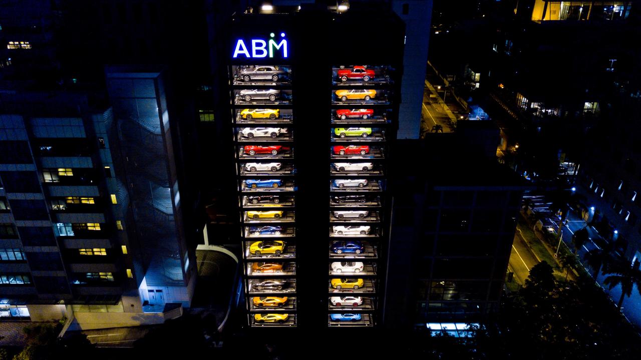 Autobahn Motors : Un distributeur de supercars au coeur de Singapour ! 6