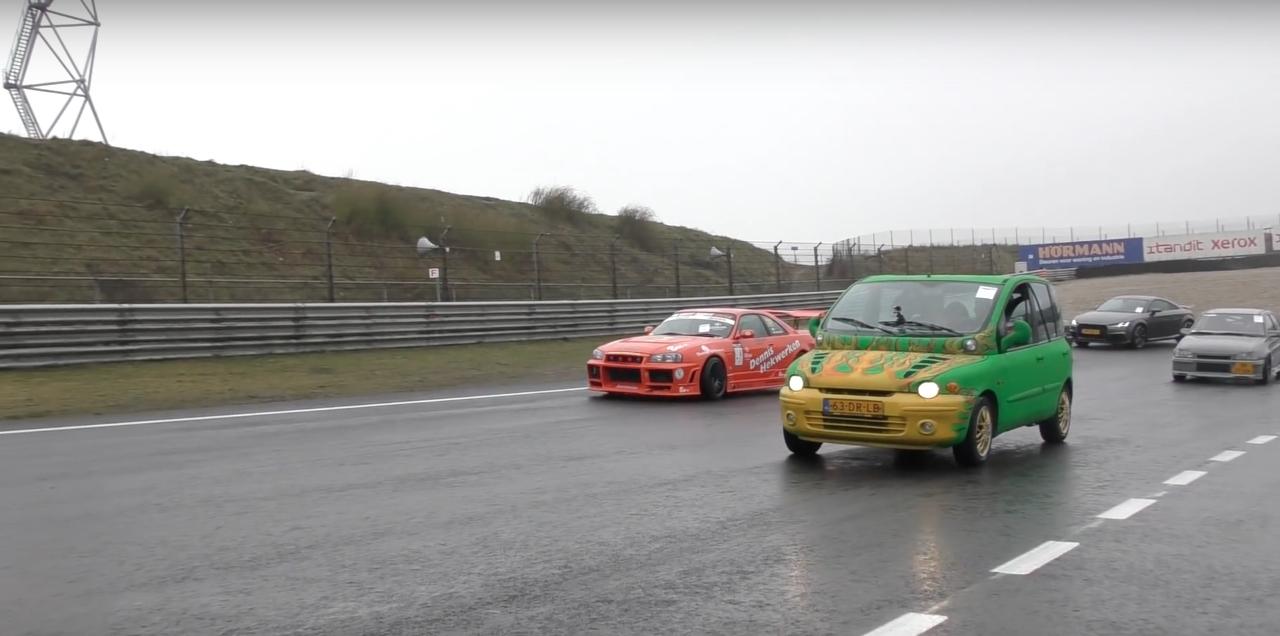 Dragrace : Fiat Multipla vs Skyline R33... No comment ! 7