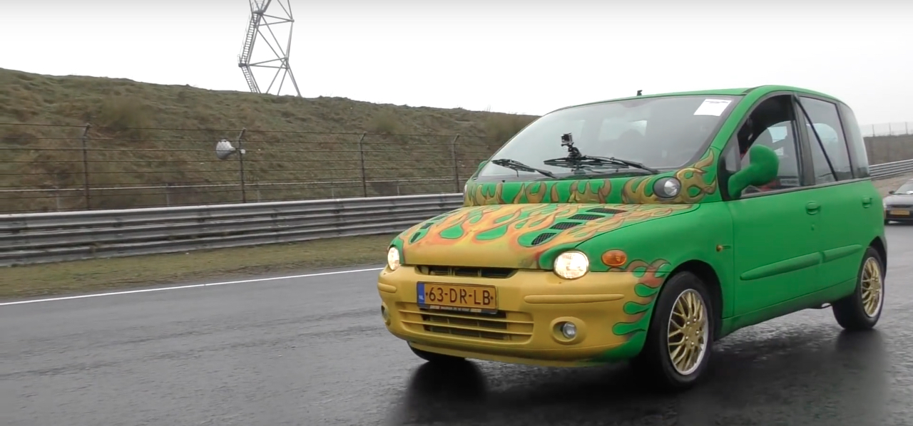 Dragrace : Fiat Multipla vs Skyline R33... No comment ! 8
