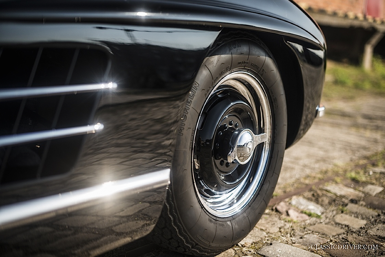 Mercedes 300 SL outlaw... en top chop et side pipe ! 95