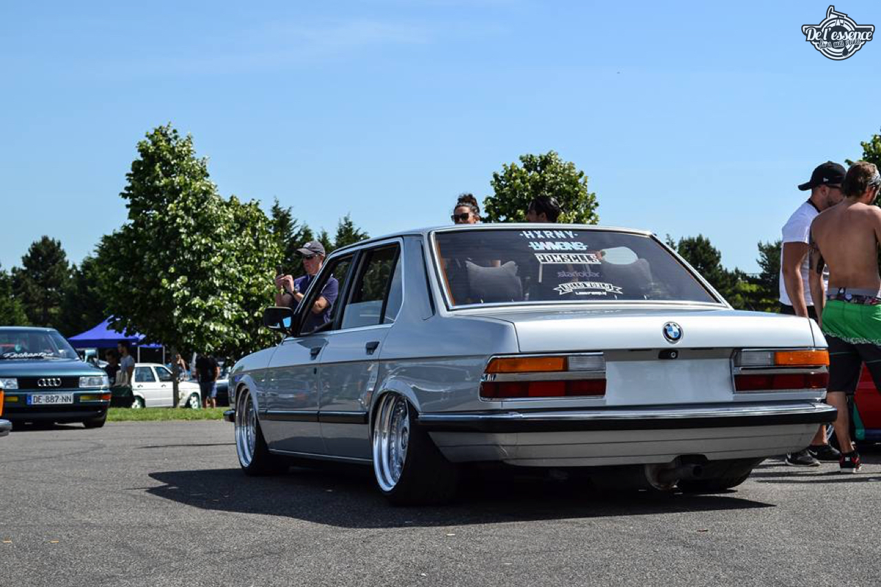 Bagged BMW E28 520i... Low & Flow ! 49