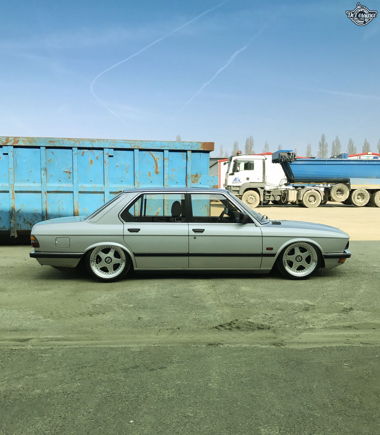 Bagged BMW E28 520i... Low & Flow ! 41