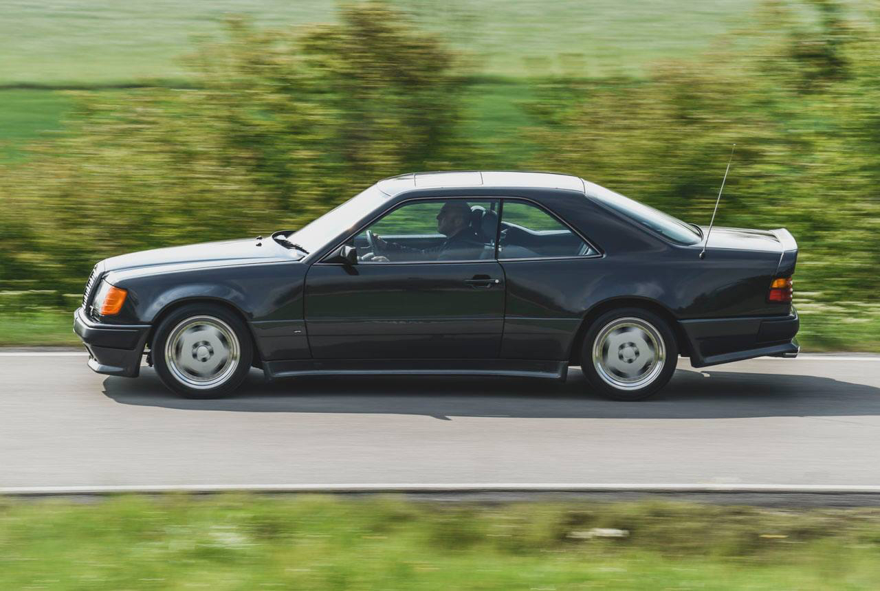 Mercedes 300 CE AMG 6.0 - Here come the Hammer ! 6