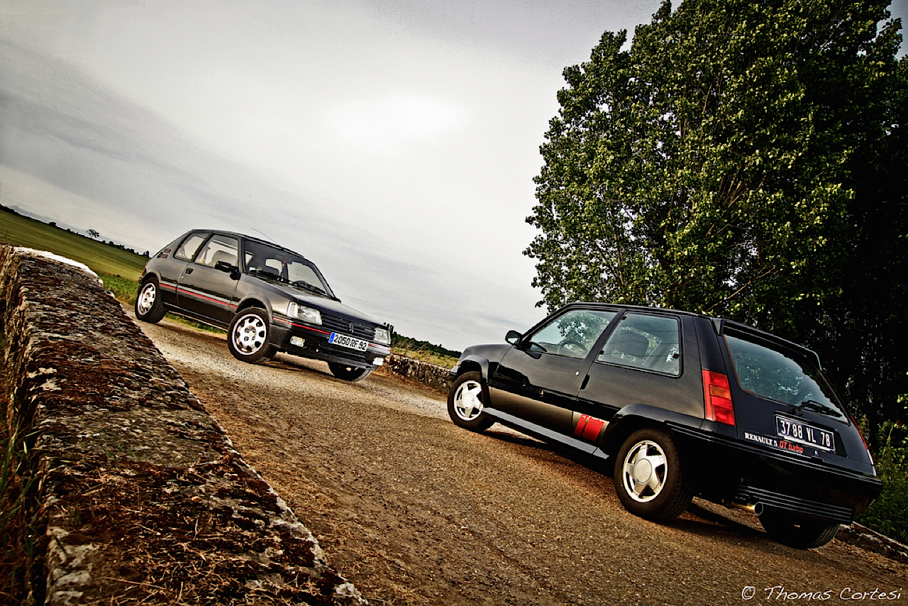 """The Street Fighters"" : 205 GTI vs R5 GT Turbo 11"