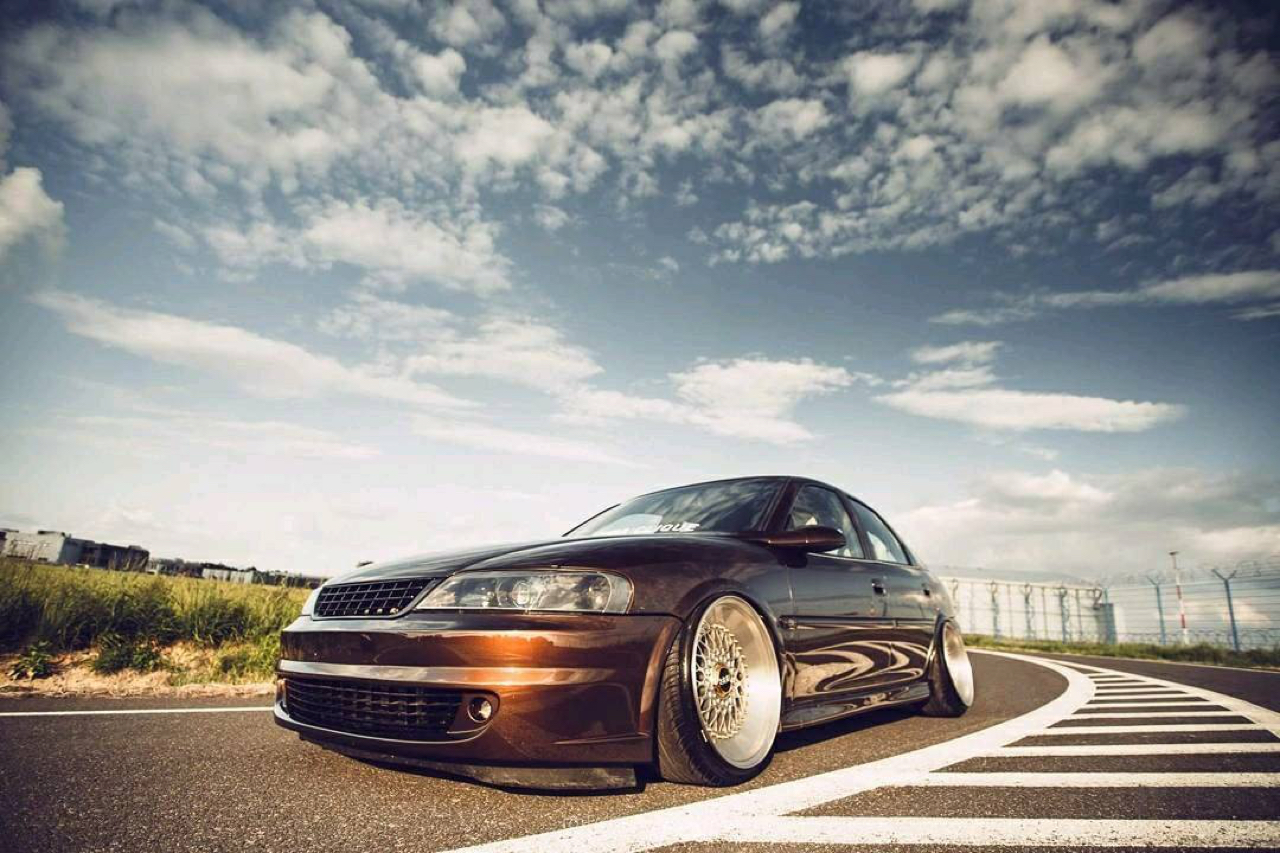 Slammed Opel Vectra... Pari osé ! 16