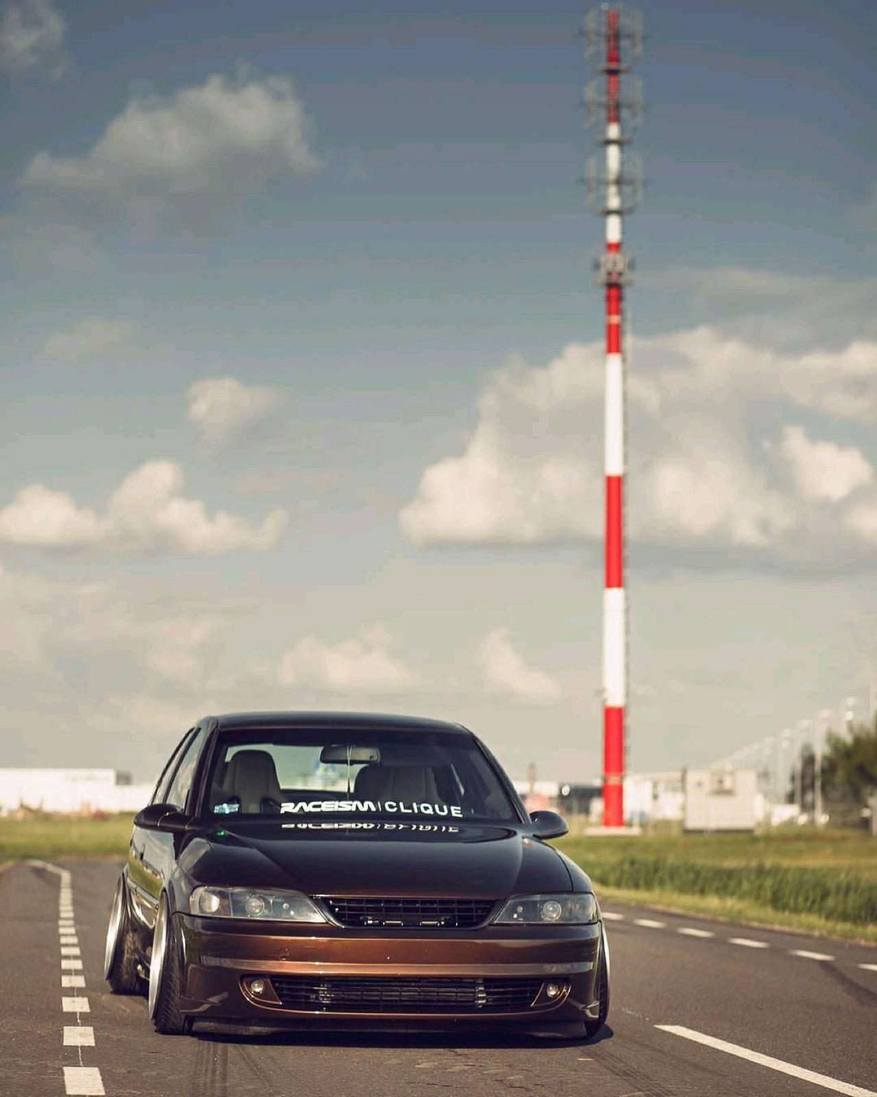 Slammed Opel Vectra... Pari osé ! 17