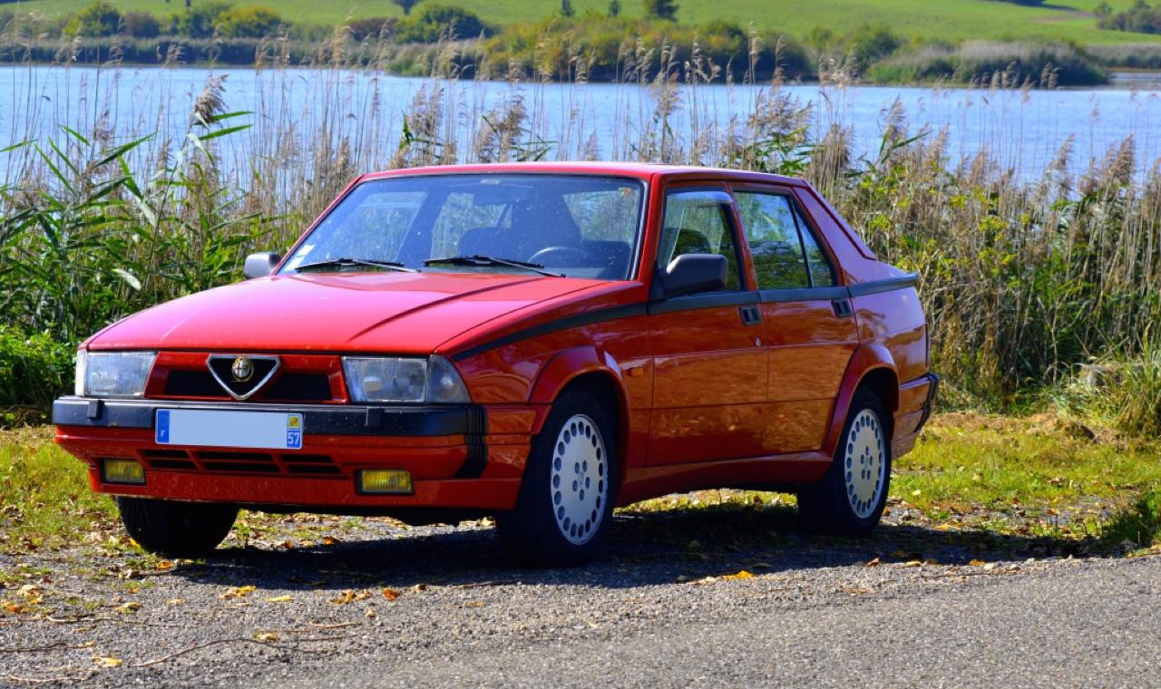 Alfa 75 Turbo America : Sale caractère ! 1