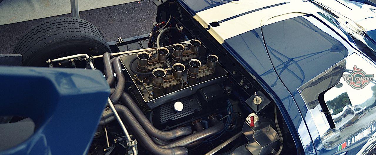 Parlons moteurs... Le légende passe aussi par eux. 193