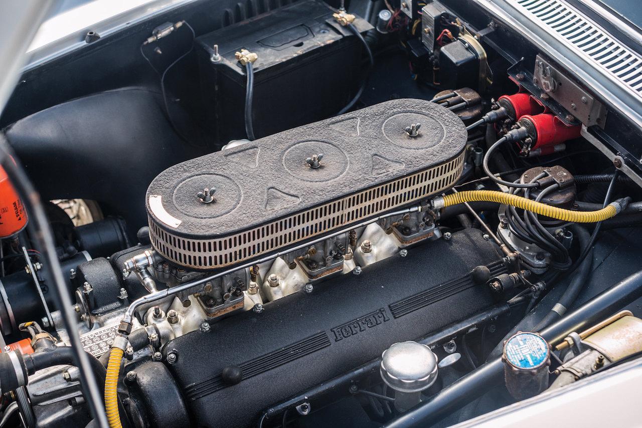 Parlons moteurs... Le légende passe aussi par eux. 125