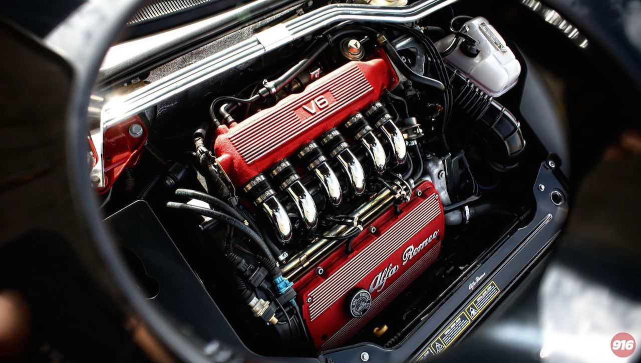 Parlons moteurs... Le légende passe aussi par eux. 134