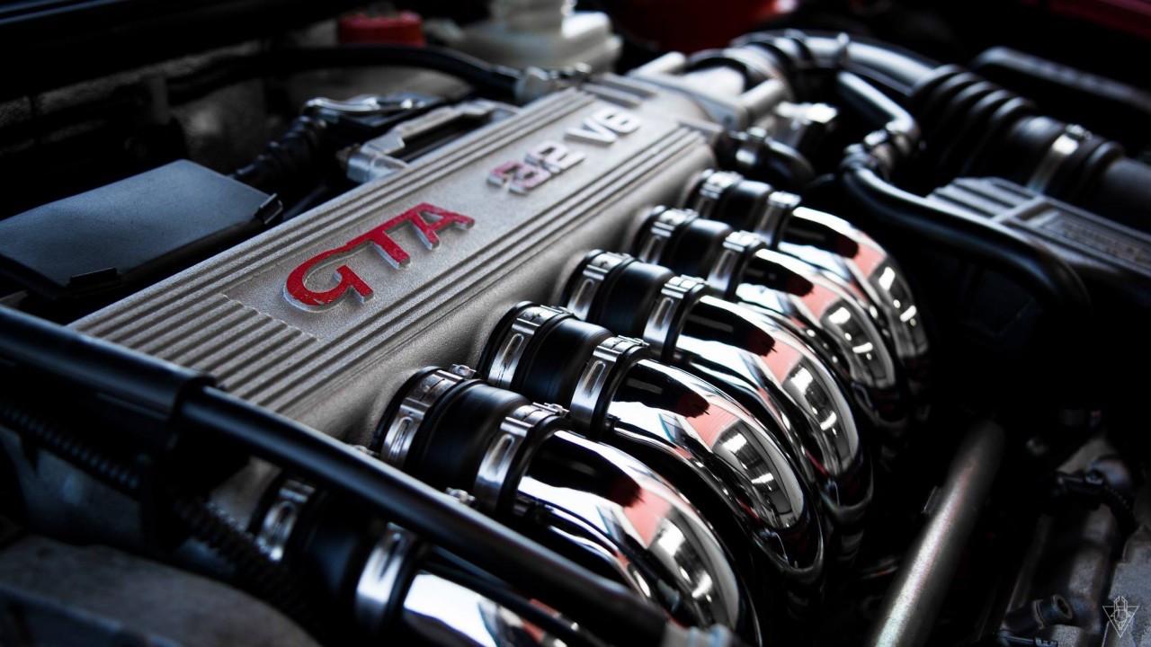 Parlons moteurs... Le légende passe aussi par eux. 135