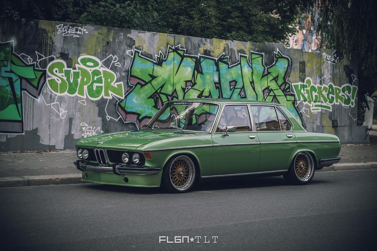 Slammed BMW E3 Bavaria - Allez, on se met un peu au vert ! 25