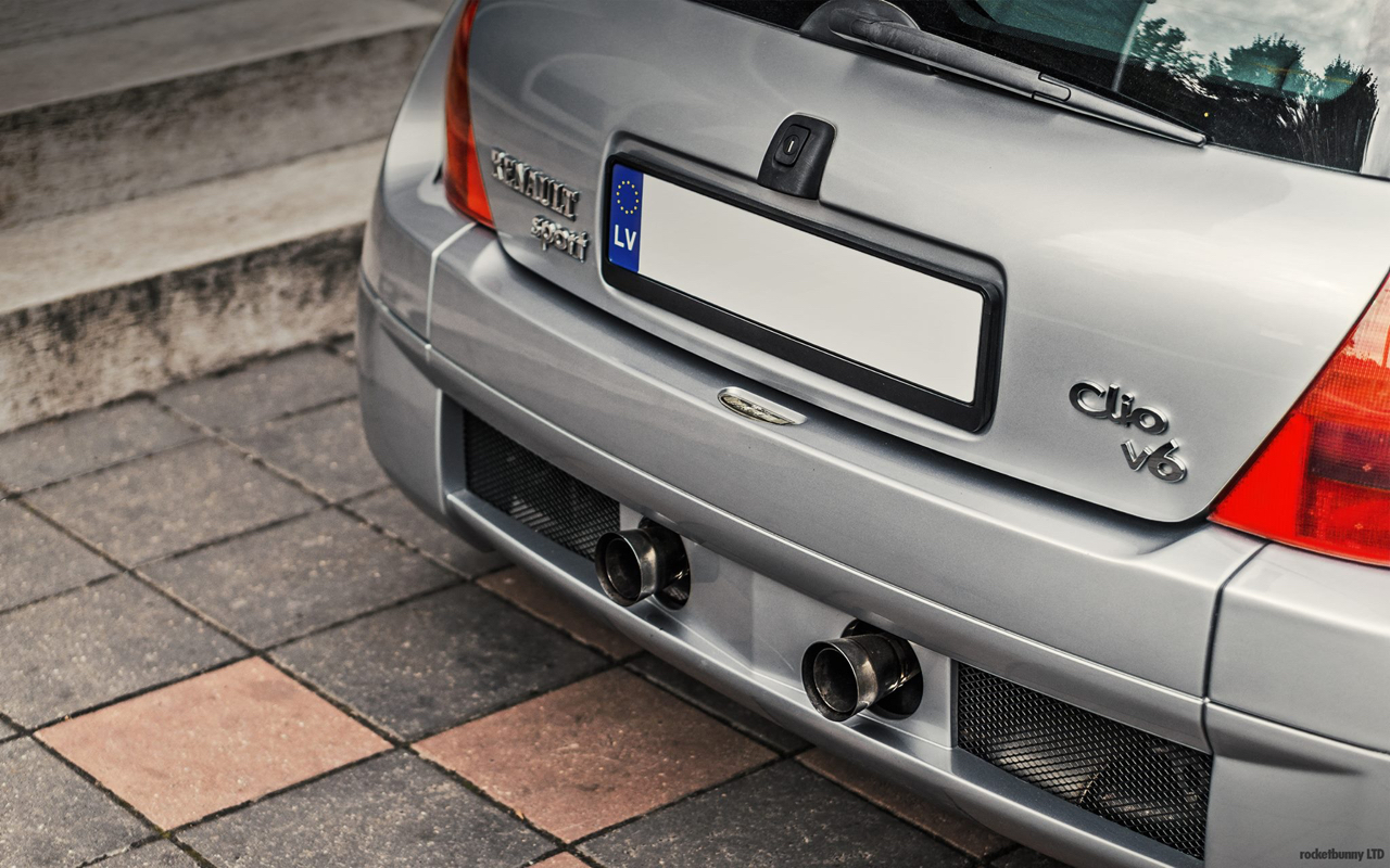 Clio V6... Made in Japan ! 39