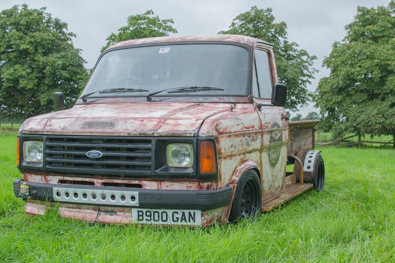 Slammed Ford : Custom en Transit... 10