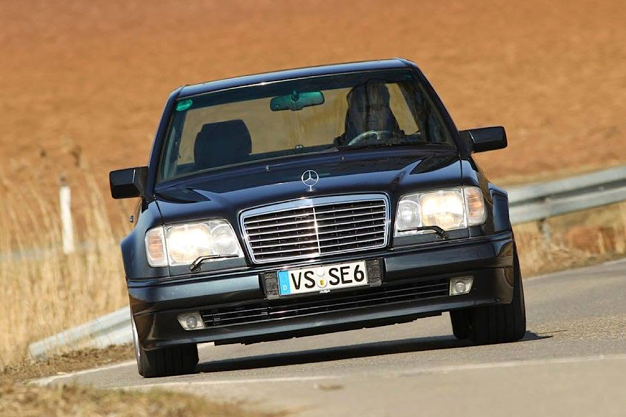 """The Street Fighters"" : Mercedes 500E vs BMW M5 E34 5"