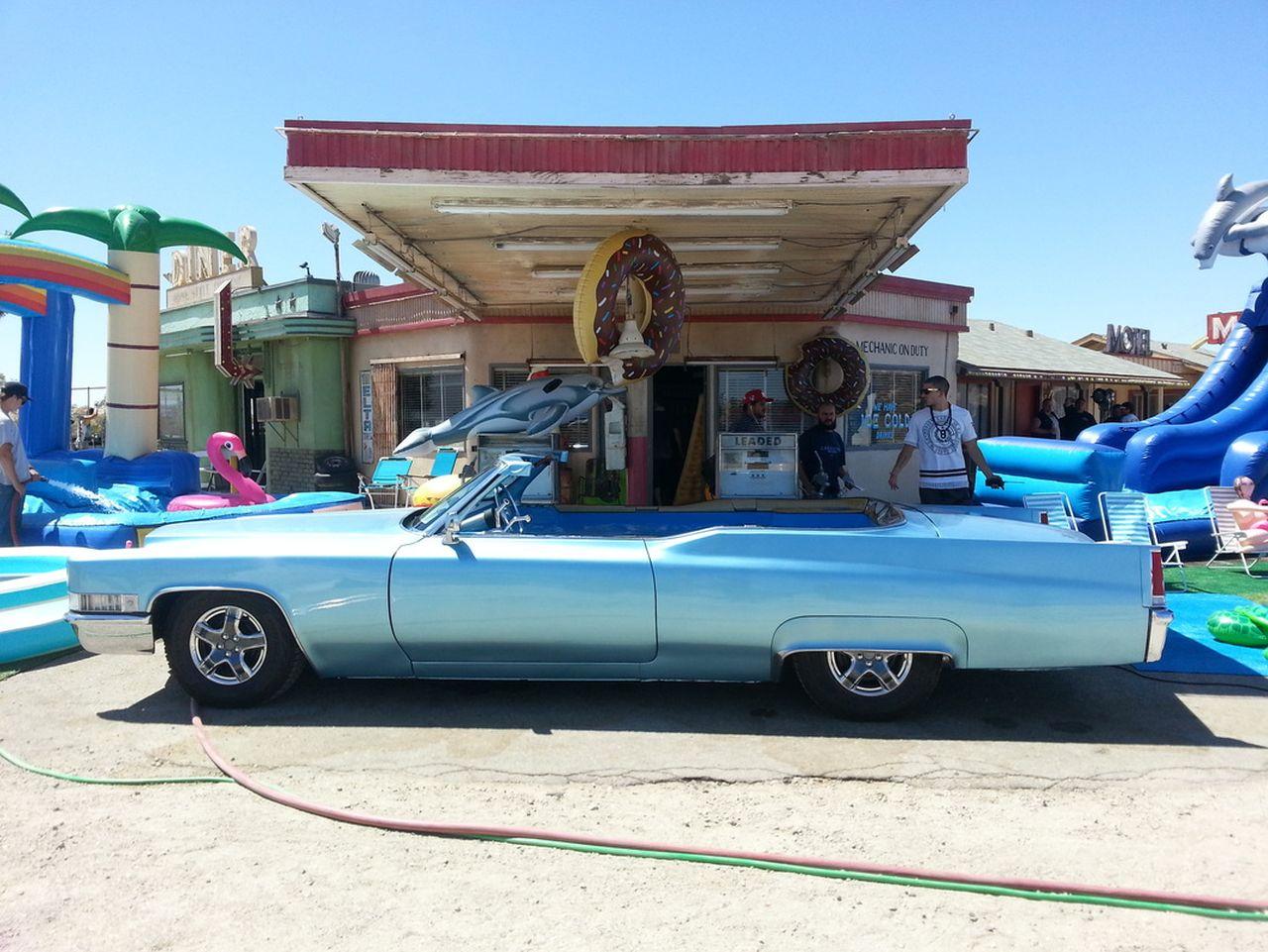 69' Cadillac DeVille - Besoin de fraîcheur ? Avec Jay Leno ! 2