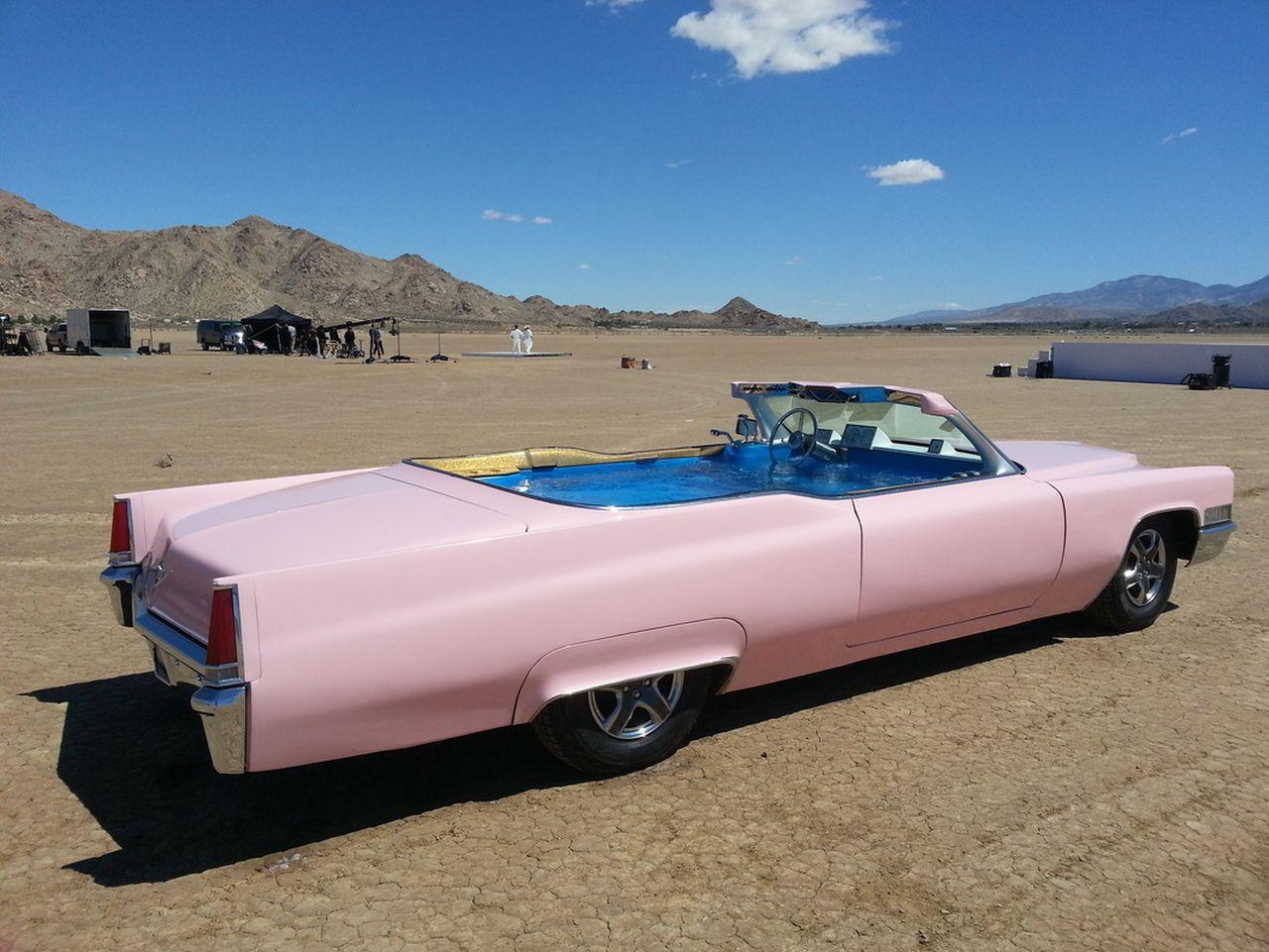 69' Cadillac DeVille - Besoin de fraîcheur ? Avec Jay Leno ! 4