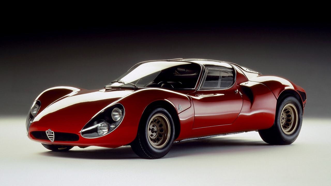 Alfa Romeo T33 Stradale... Oeuvre d'art sur roues ! 42