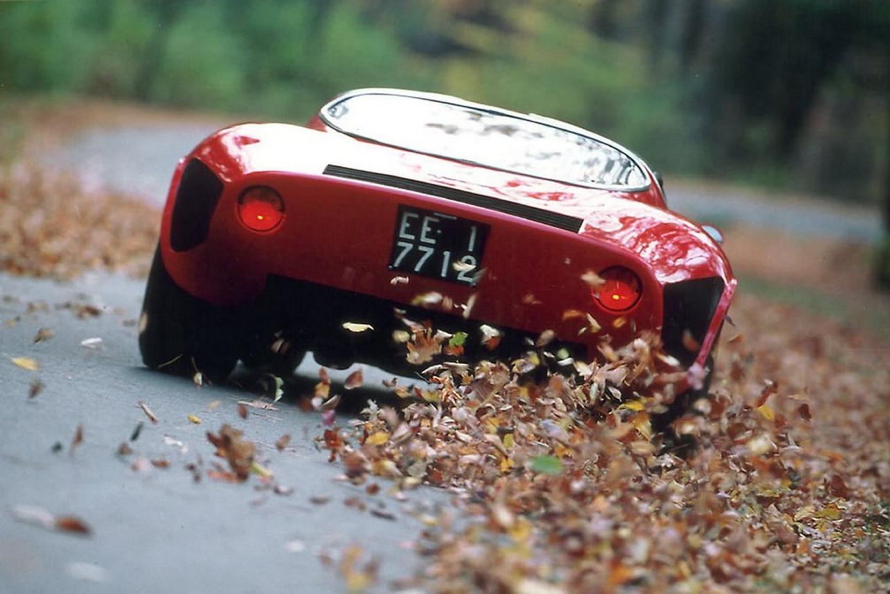 Alfa Romeo T33 Stradale... Oeuvre d'art sur roues ! 38
