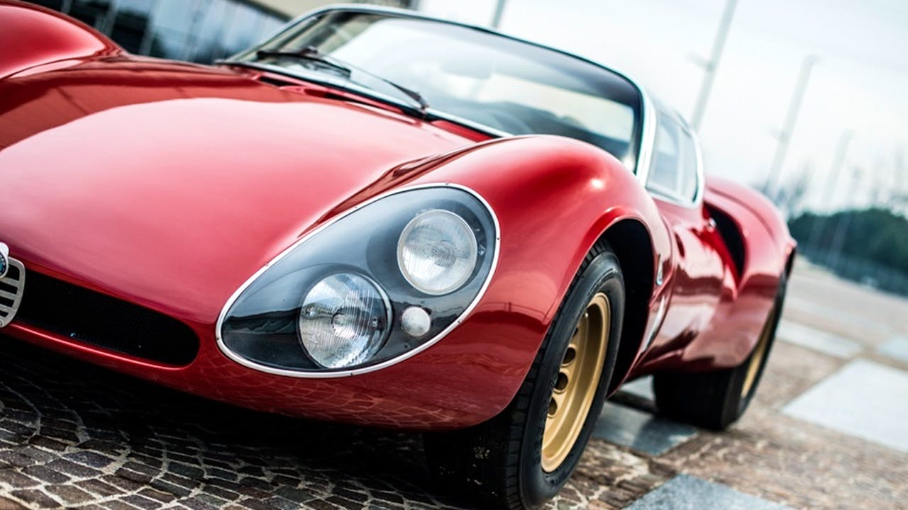 Alfa Romeo T33 Stradale... Oeuvre d'art sur roues ! 33