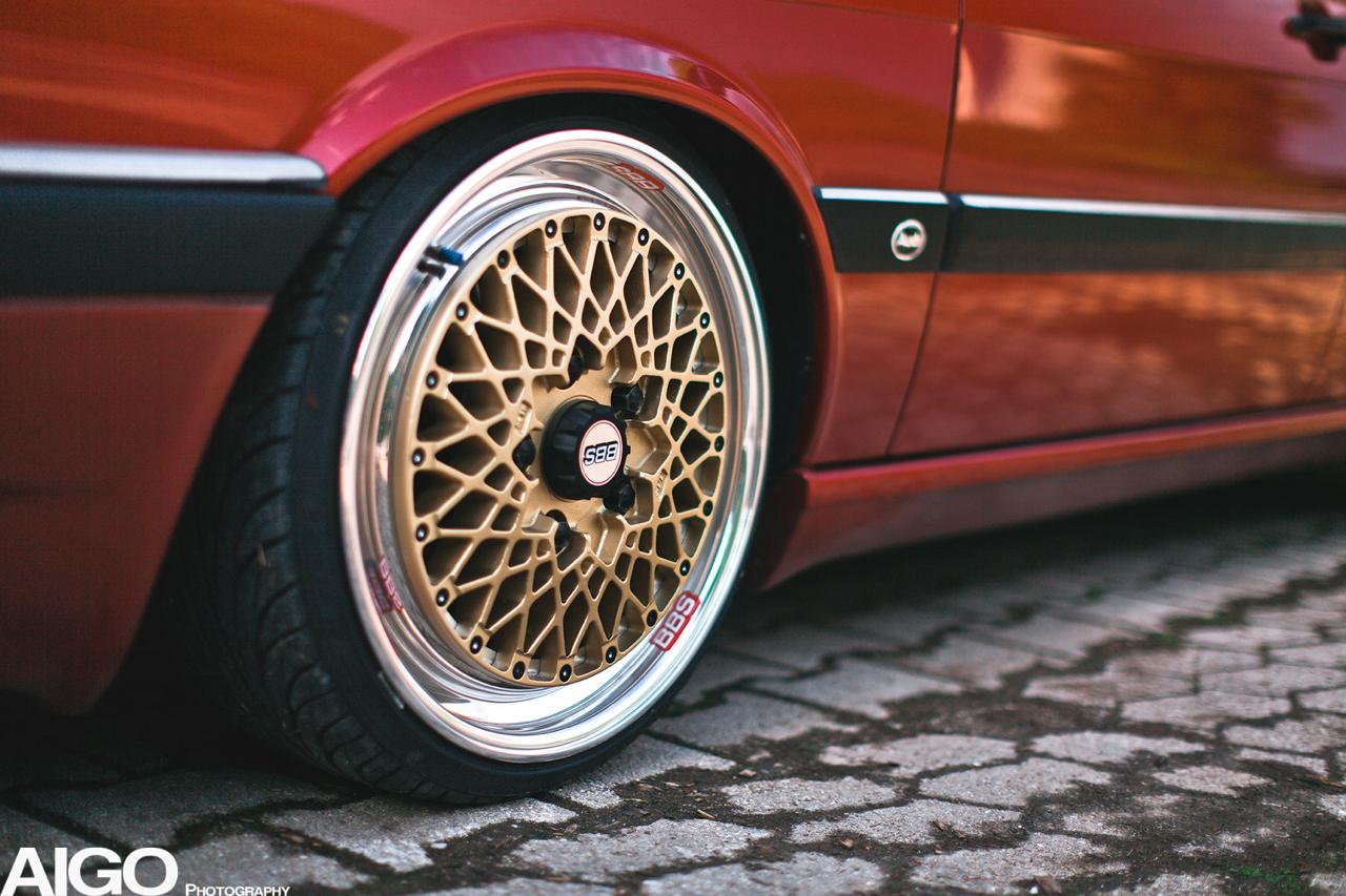 Audi 90 Quattro - Low & slow en BBS 13