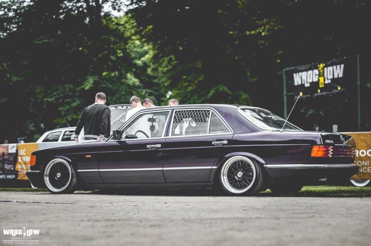 Bagged Mercedes 280 SE W126 par Magic Garage 36