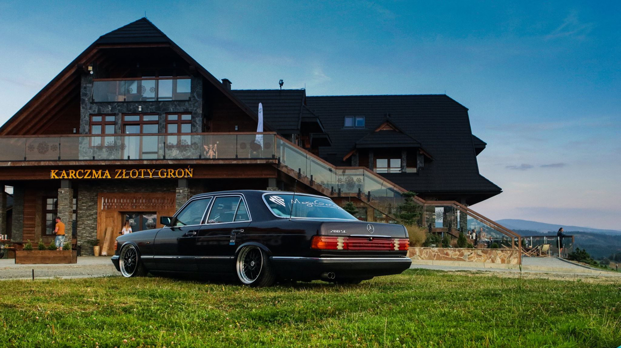 Bagged Mercedes 280 SE W126 par Magic Garage 35