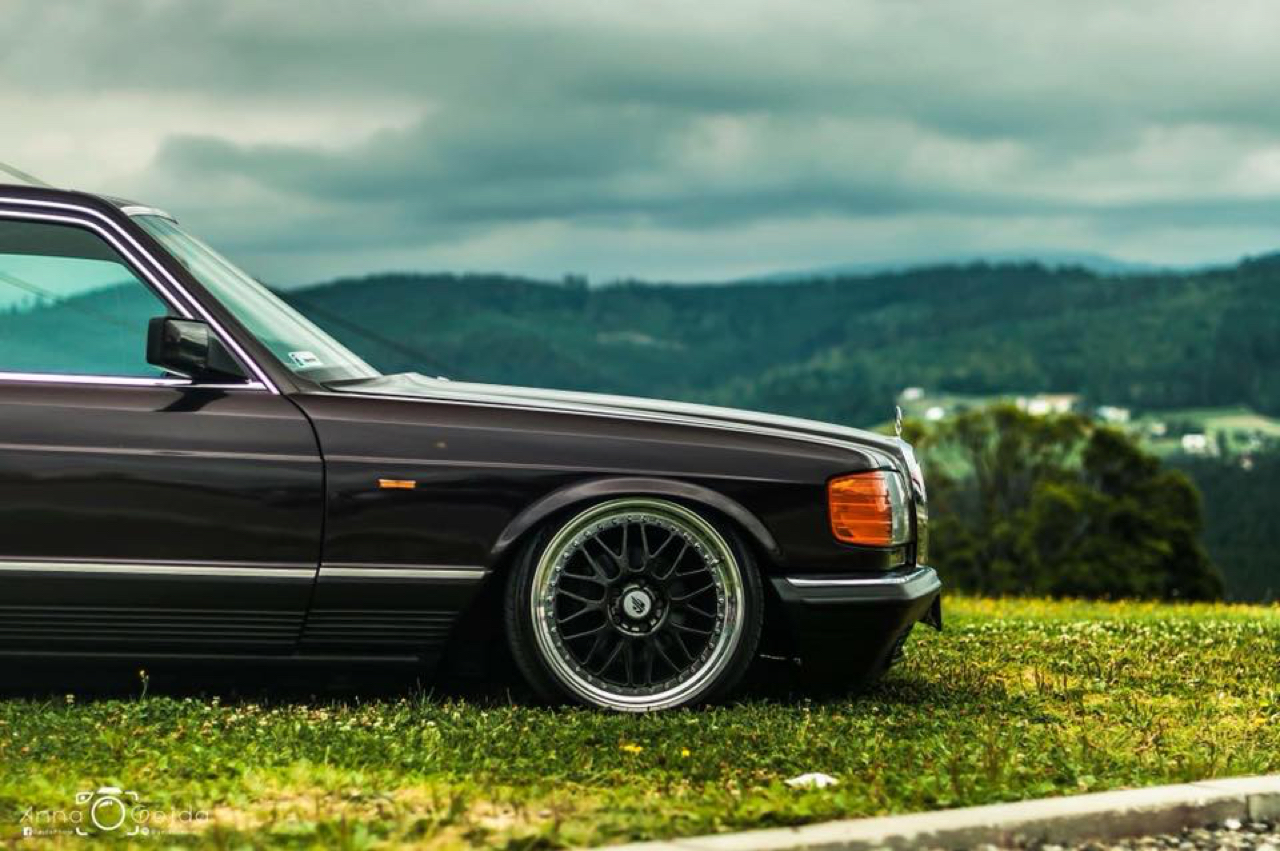 Bagged Mercedes 280 SE W126 par Magic Garage 34