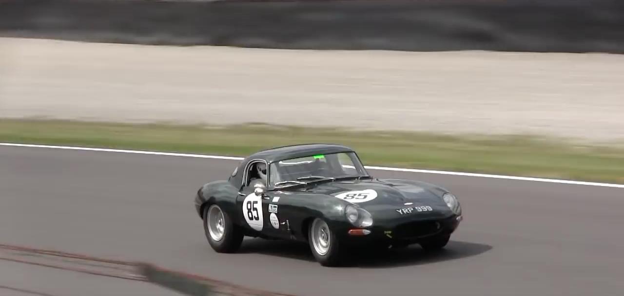 Jaguar Type E Lightweight : Le félin sort ses griffes ! 9