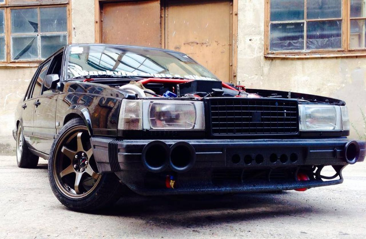 Volvo 740... Un V12 sinon rien ! 23