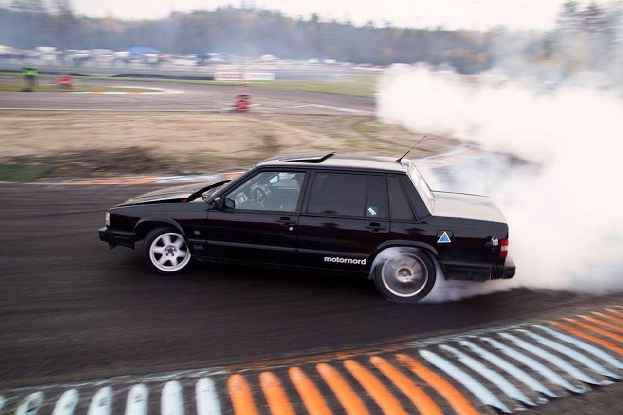 Volvo 740... Un V12 sinon rien ! 18