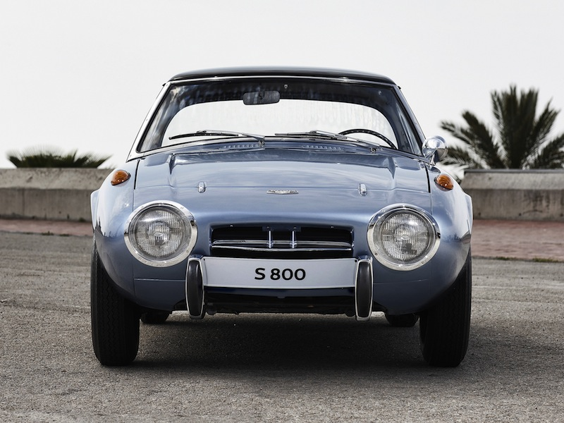 toyota sports 800grise