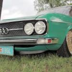 Audi 100... Vintage lowrider ! 2