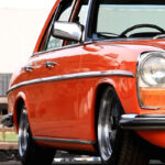 Slammed Mercedes W114 – Orange Mécanique !