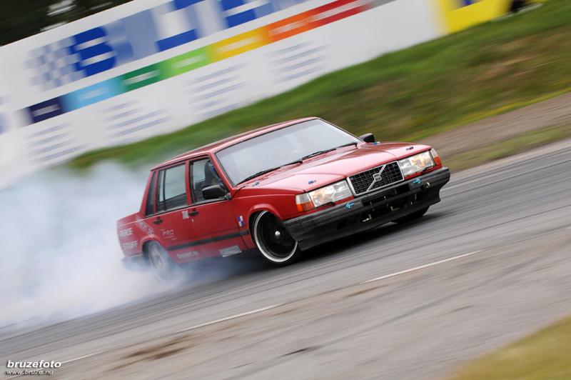 DLEDMV_Volvo_760_Swap_2JZ_01