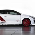 La Megane RS 275 Trophy-R... Plus rapide qu'une 911 GT2 !