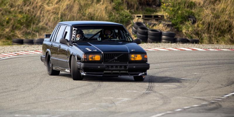 Drift on Highway… En Volvo 760 !
