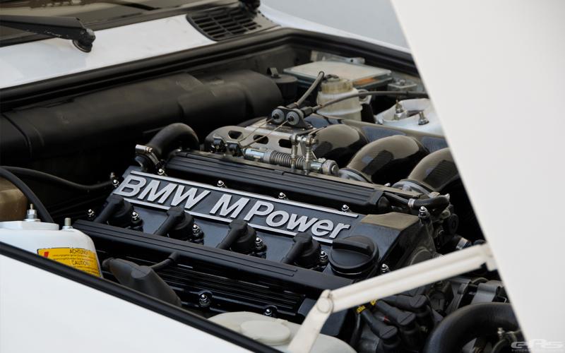 DLEDMV BMW M3 E30 EAS White Alpine12