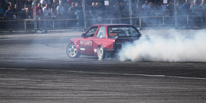 DLEDMV BMW E30 swap V8 drift 005