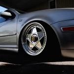 VW Golf 4 GTI… Avec des pompes Ferrari !