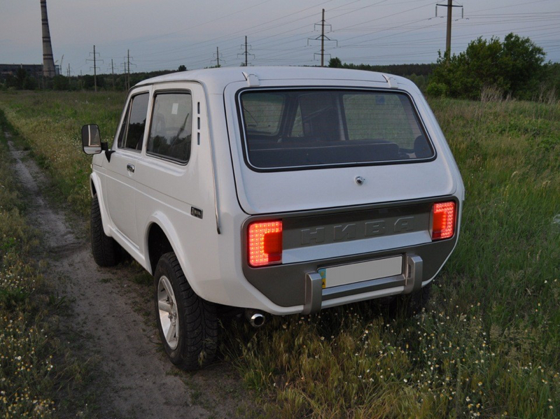 DLEDMV - Lada Niva restomod -09