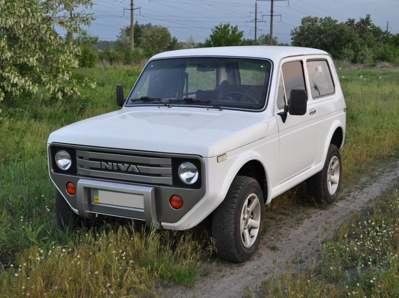 DLEDMV - Lada Niva restomod -11