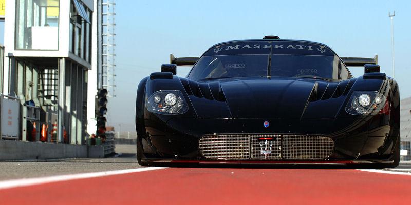 Maserati MC12 full black - Pour le plaisir des yeux... et ...