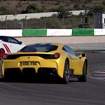 Battle on the Nürb : Megane RS vs Ferrari 458 Speciale